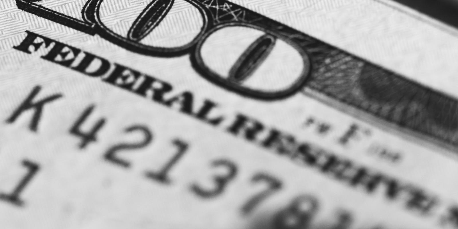hogyan lehet pénzt szabályozni)