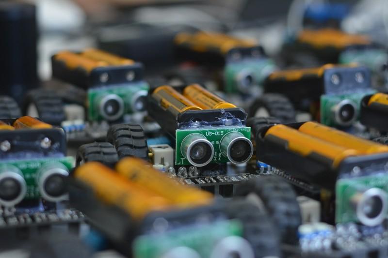 kereskedési robot készítése)