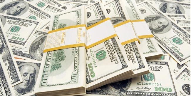 pénzt keresni a kezével)