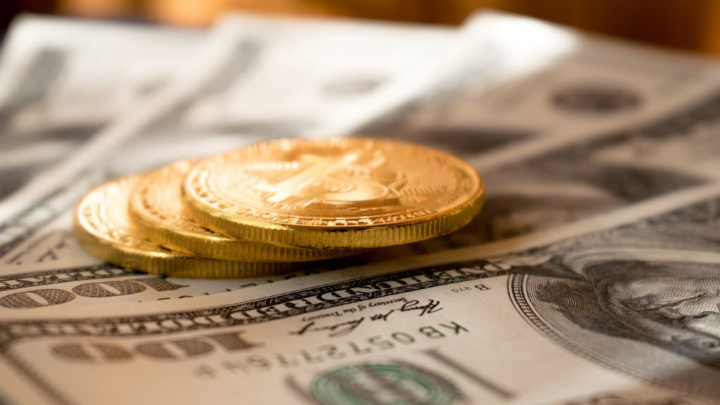 bitcoin készpénz dollár)