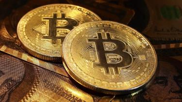 aki a bitcoin árfolyamán keresett pénzt