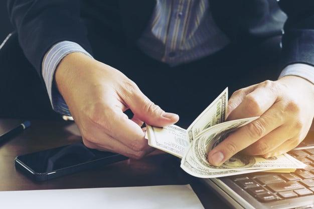hogyan lehet pénzt keresni a pénzügyi piacon