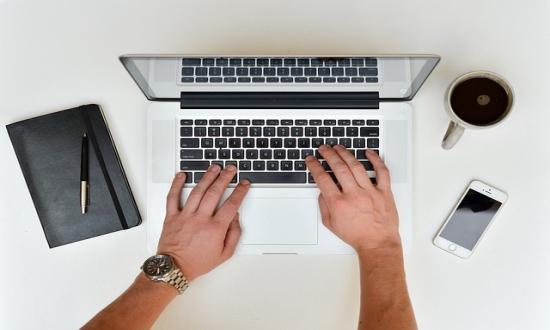 dolgozzon az interneten mellékletek áttekintése nélkül