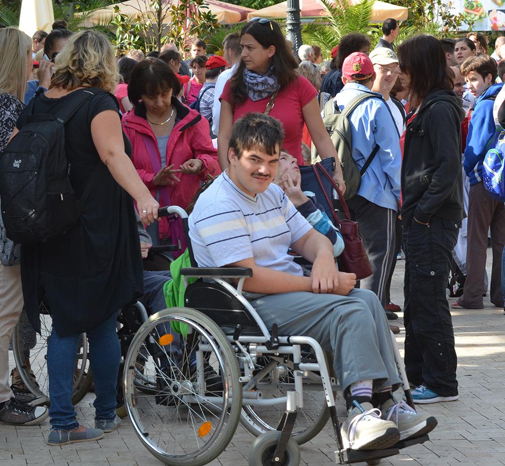 hol kereshet egy fogyatékkal élő ember)
