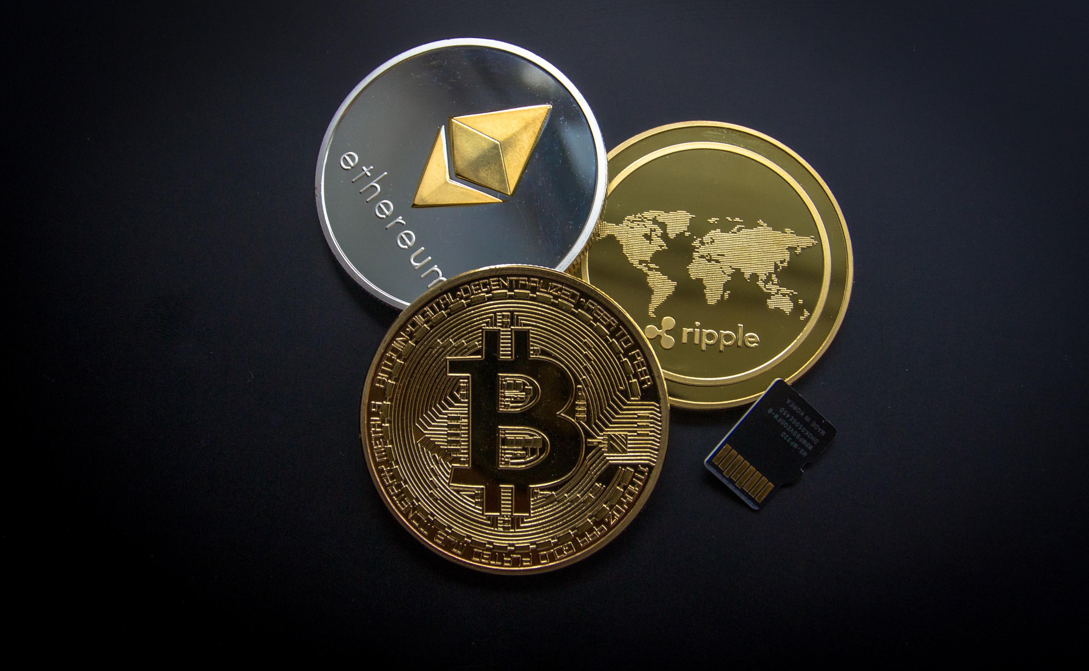 Bitcoin, kriptovaluta, blokklánc, bitcoin bányászat, vásárlás